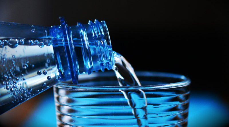 Mennyi műanyaggal kéred a vizet?